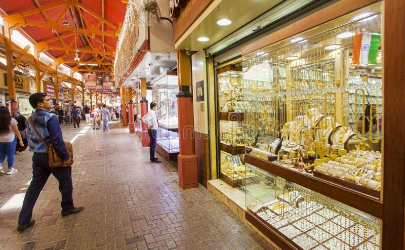 El souk o el mercado del oro en la ciudad de Dubai, Deira United Arab Emirates foto de archivo libre de regalías
