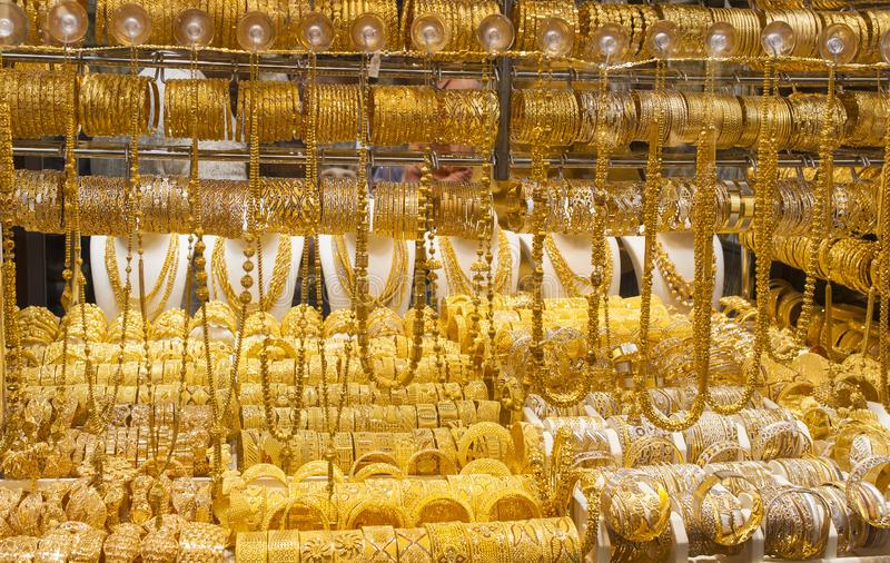El souk o el mercado del oro en la ciudad de Dubai, Deira United Arab Emirates foto de archivo