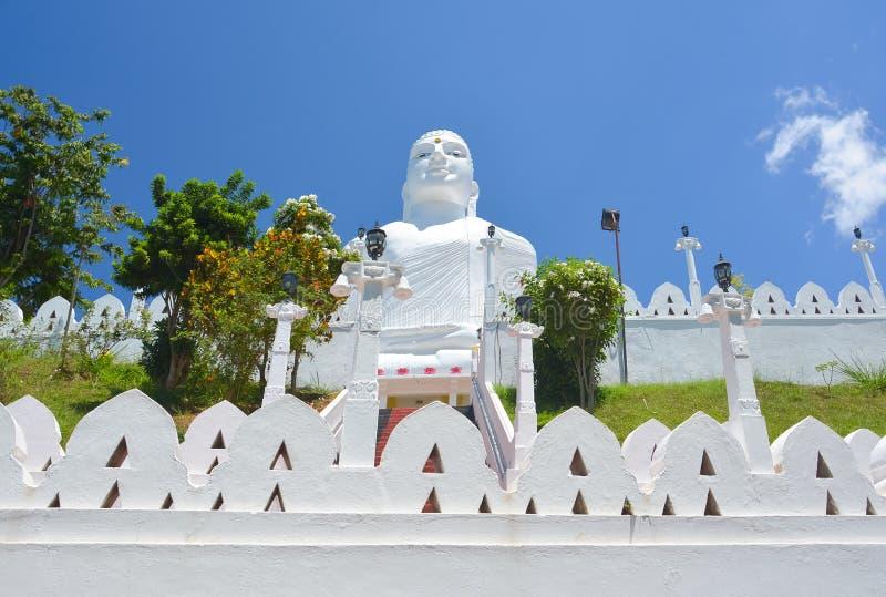 El Sri Maha Bodhi Temple At Bahirawakanda, Kandy fotografía de archivo