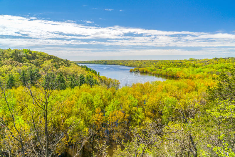 El St Croix River Valley en el parque de estado de Kinnickinnic fotografía de archivo