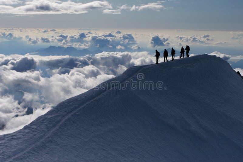 El subir de montaña fotos de archivo