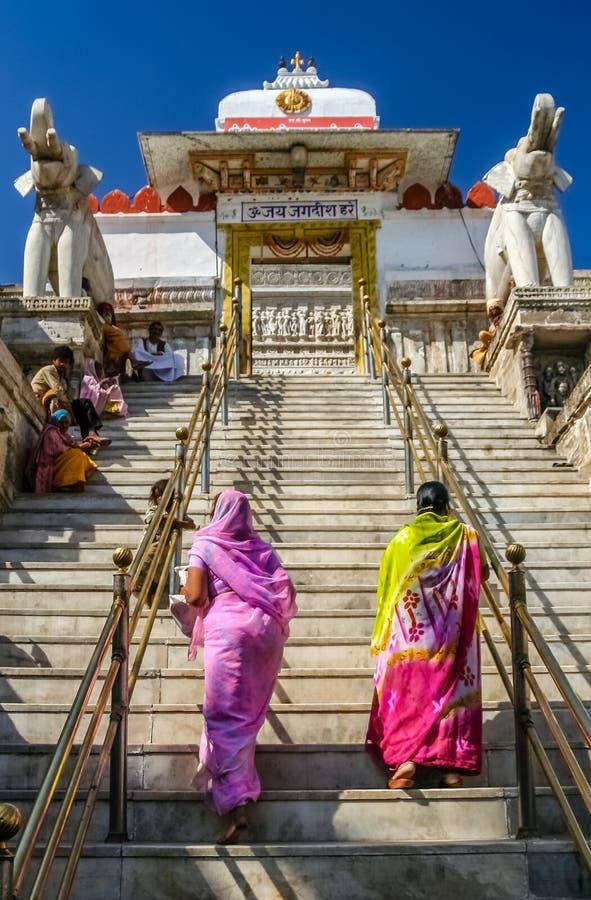 El subir hasta el templo foto de archivo libre de regalías