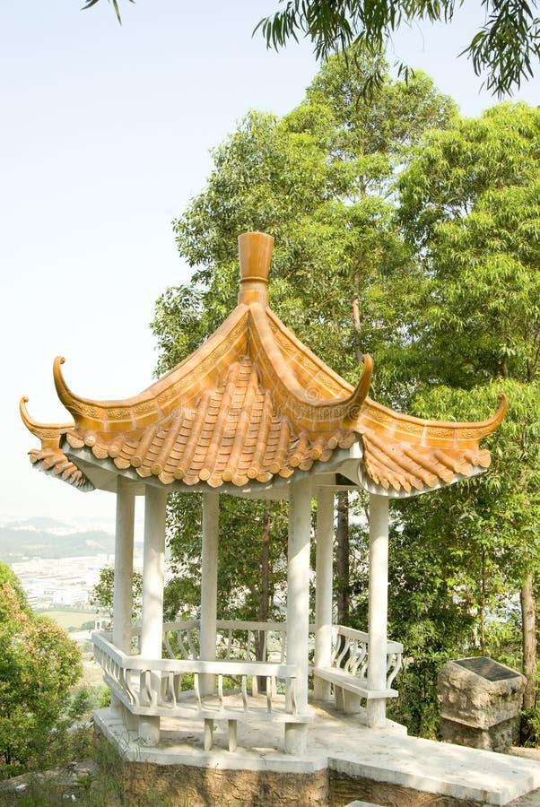 El summerhouse en parque fotos de archivo libres de regalías