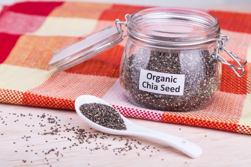 El superfood de las semillas de Chia contiene omega-3 sano, carbohidratos, RRPP imágenes de archivo libres de regalías