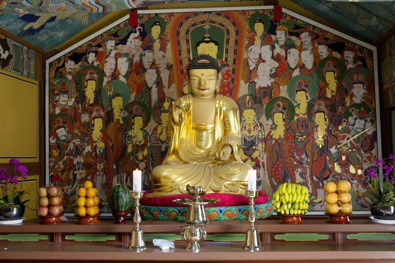 EL SUR COREA Busán El inSouth Corea Busán El interior del templo de Beomeosa fotos de archivo