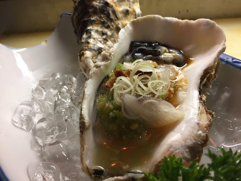 El sushi fijó marki del sashimi de muchos pescados foto de archivo