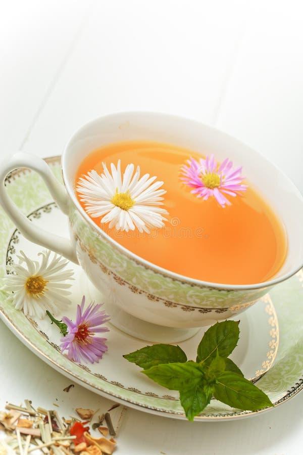 El té es una bebida caliente fotografía de archivo libre de regalías