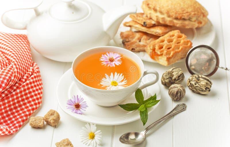 El té es una bebida caliente imágenes de archivo libres de regalías
