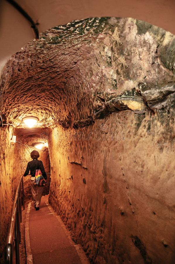 El túnel de la arcón de la marina de guerra japonesa anterior subterráneo establece jefatura imagenes de archivo