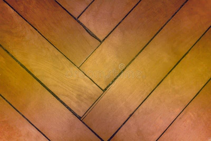 El tablero del entarimado que los tablones artesonan el árbol geométrico inclinó la base natural de los materiales del fondo de l imágenes de archivo libres de regalías
