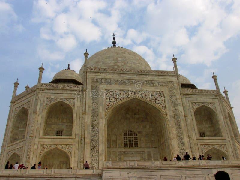 El Taj Mahal de un diverso ángulo fotografía de archivo libre de regalías