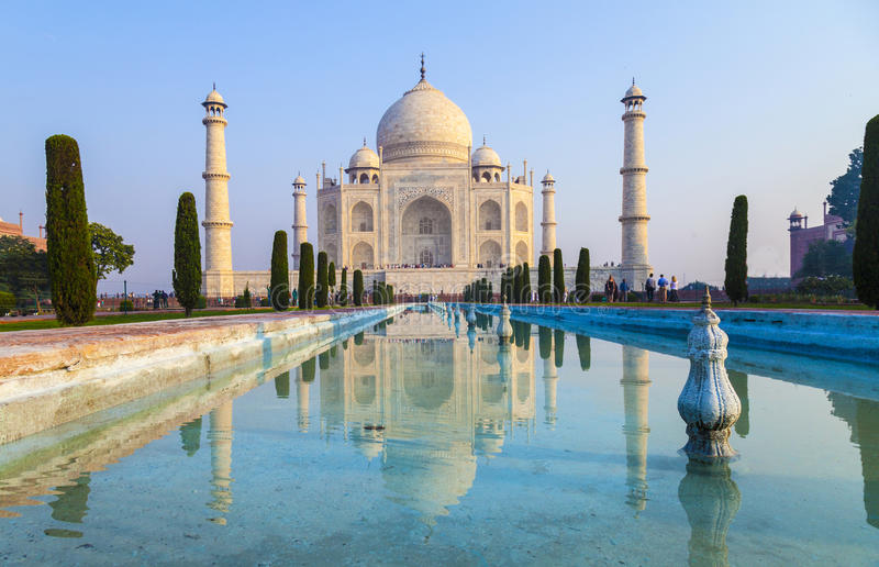 El Taj Mahal en la luz de la salida del sol, Agra, fotos de archivo libres de regalías