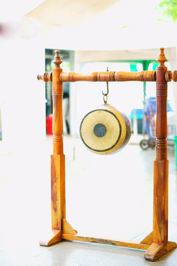 El tambor retro del thom de la caída tailandesa nombró el sa pero a chai fotografía de archivo libre de regalías