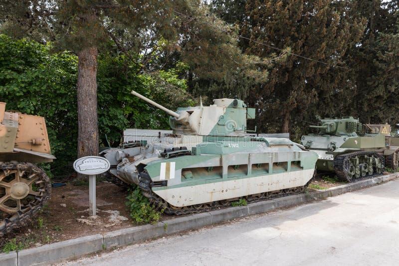 El tanque británico Matilda MKII de la infantería está en el sitio conmemorativo cerca del museo acorazado del cuerpo en Latru foto de archivo libre de regalías