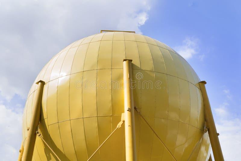 El tanque de almacenamiento de molino de aceite industrial fotografía de archivo libre de regalías
