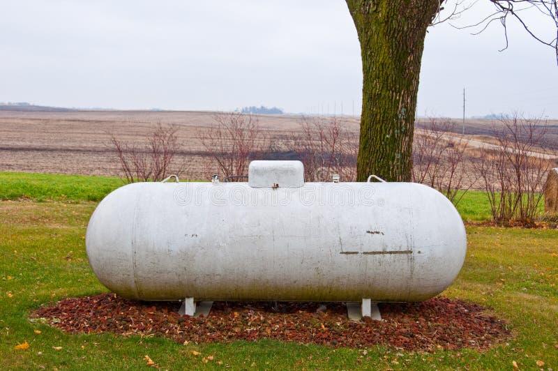 El tanque de propano foto de archivo libre de regalías