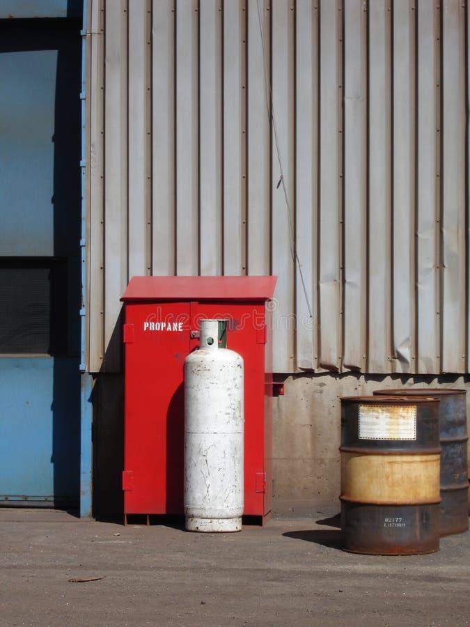 El tanque de propano industrial imagenes de archivo