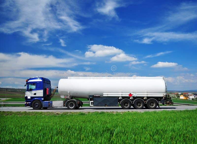 El tanque del camión imágenes de archivo libres de regalías
