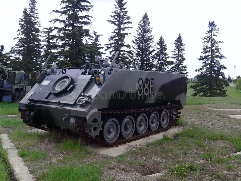 El tanque del vehículo de la ayuda fotografía de archivo