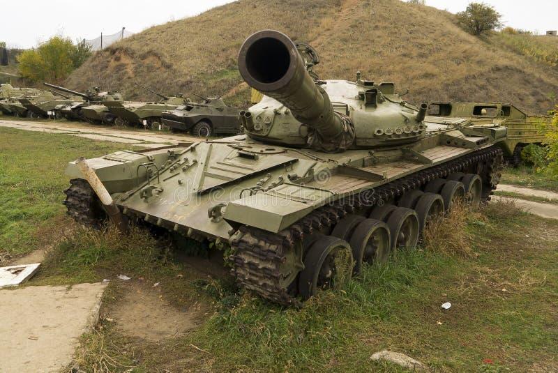 El tanque izquierdo después de la lucha imagen de archivo
