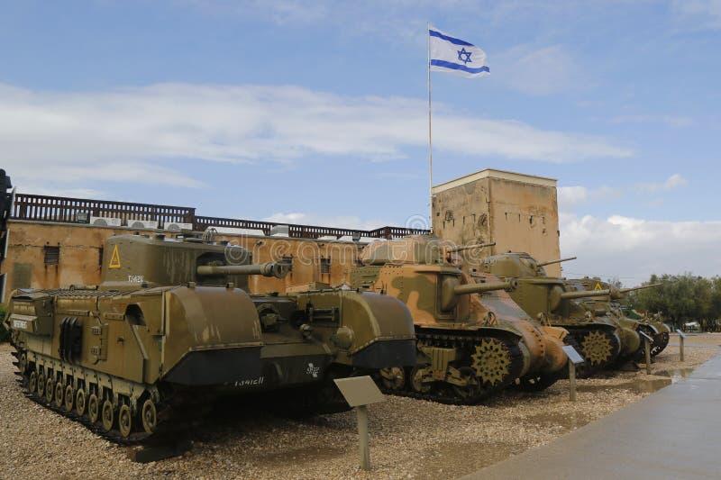 El tanque pesado británico Churchill de la infantería en el museo acorazado del cuerpo del la-Shiryon de Yad en Latrun foto de archivo