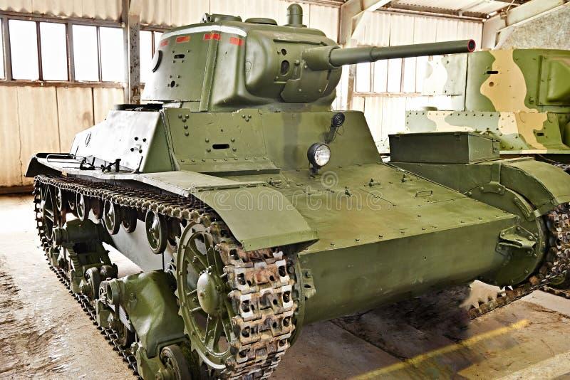 El tanque soviético T-26 de la infantería ligera foto de archivo