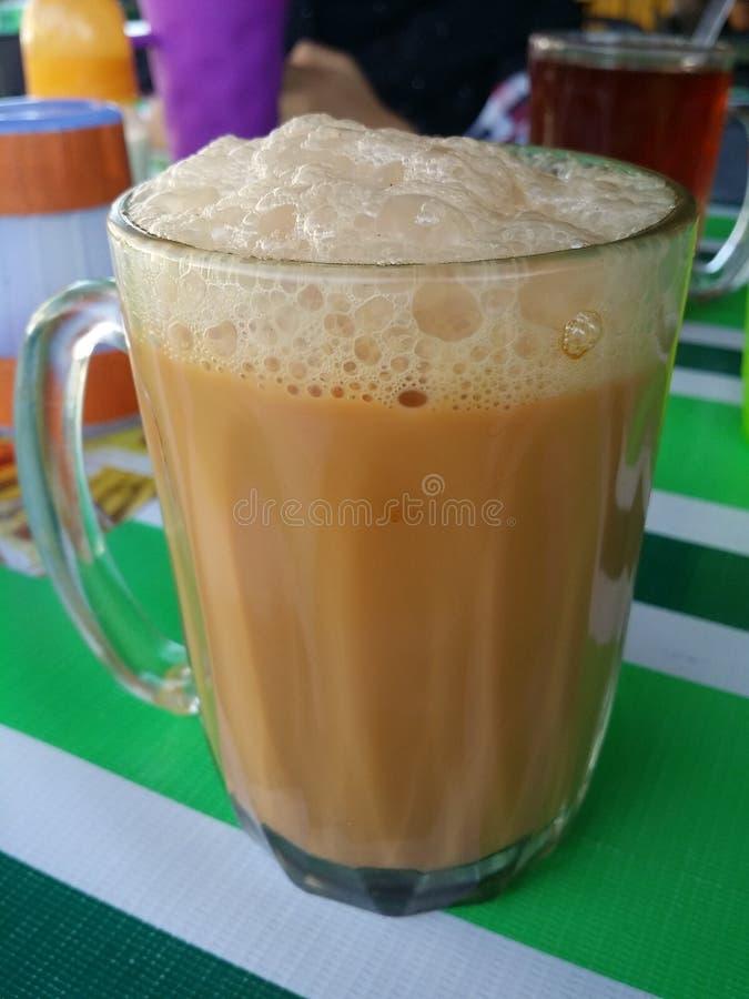 El Tarik (té con leche) imágenes de archivo libres de regalías