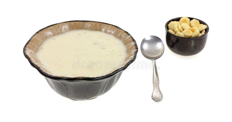 El tazón de fuente conservó el Chowder de almeja foto de archivo libre de regalías