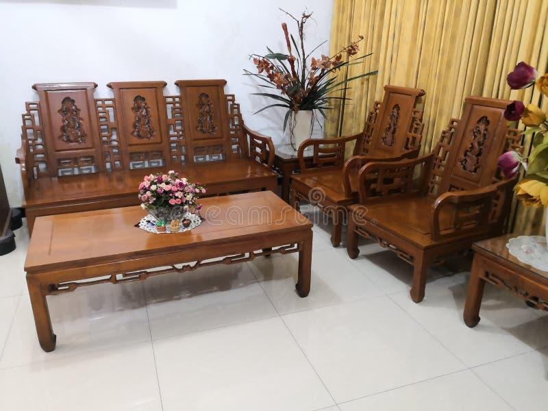 El Teakwood o el Tectona Grandis es una madera dura tropical usada para los muebles interiores de alta calidad, especialmente en  imágenes de archivo libres de regalías