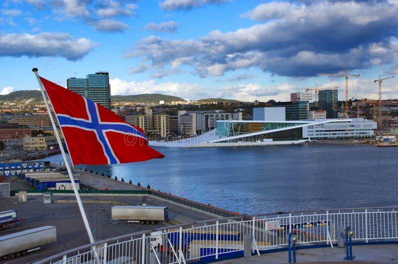 El teatro de la ópera en Oslo. Noruega fotos de archivo