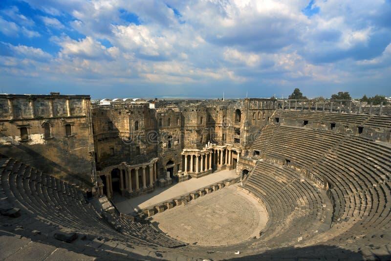 El teatro en Bosra imagenes de archivo