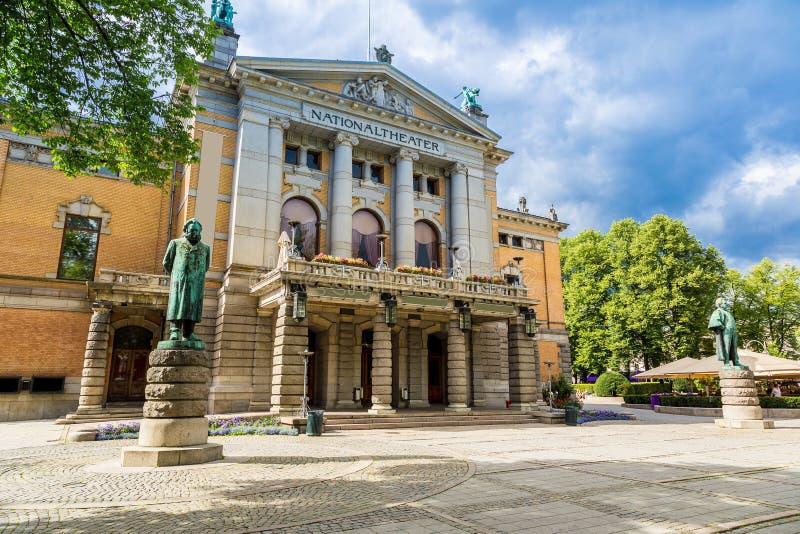 El teatro nacional en Oslo fotografía de archivo