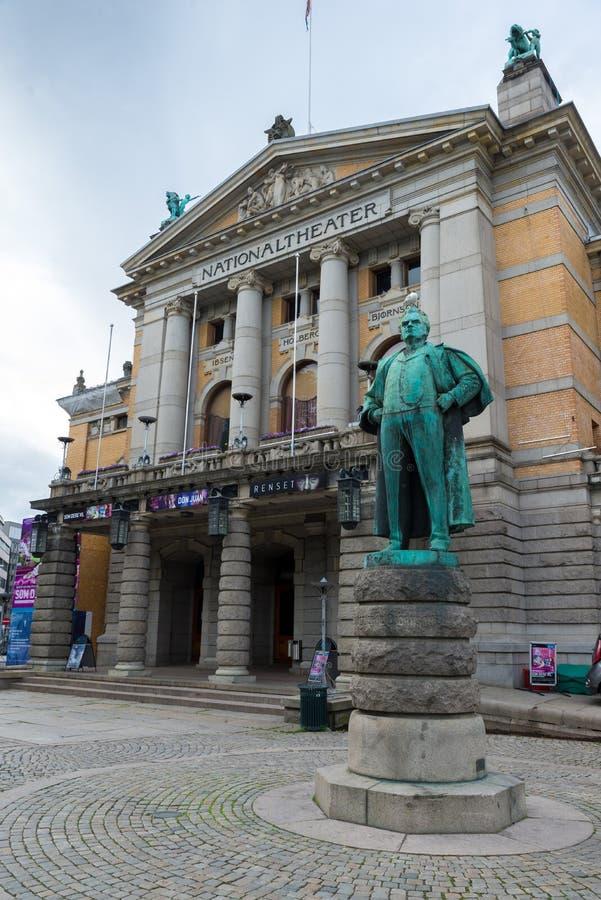 El teatro nacional en Oslo es uno de ` s más grande y la mayoría de Noruega foto de archivo libre de regalías