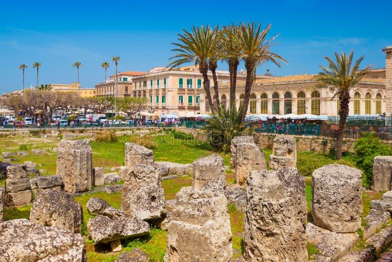 El templo de Apolo en la isla de Ortygia el centro hist?rico de Syracuse imagen de archivo libre de regalías