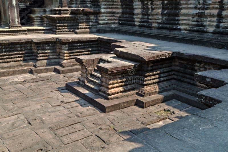 el templo de la piscina es templo antiguo del Khmer en Angkor Wat complejo en Siem Reap, Camboya fotografía de archivo