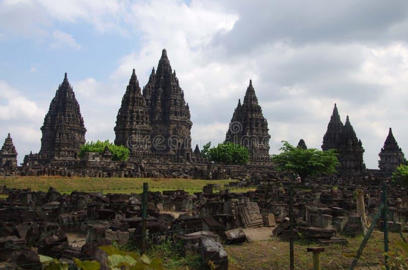 El templo de Prambanan en la isla de Java en Indonesia imagen de archivo
