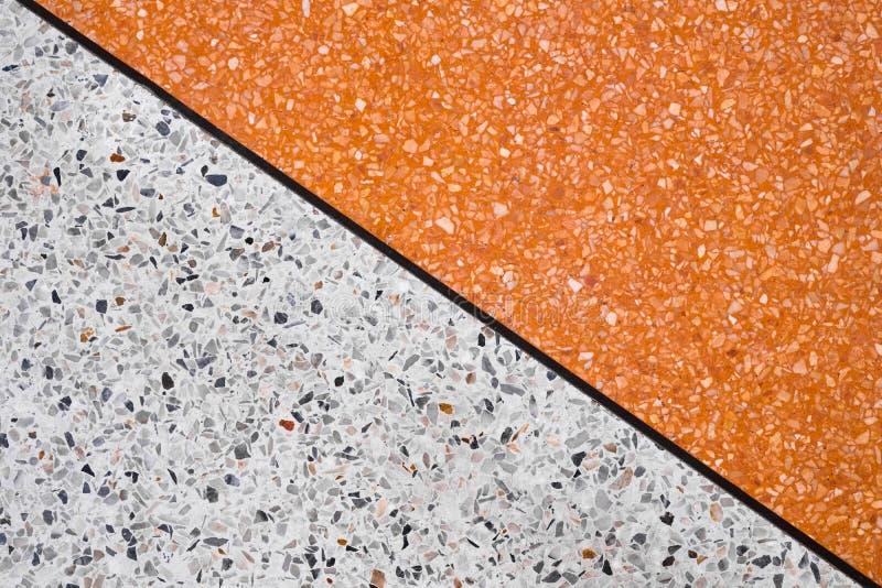 El terrazo pulió la superficie de piedra del piso y del modelo y del color de la pared imagen de archivo