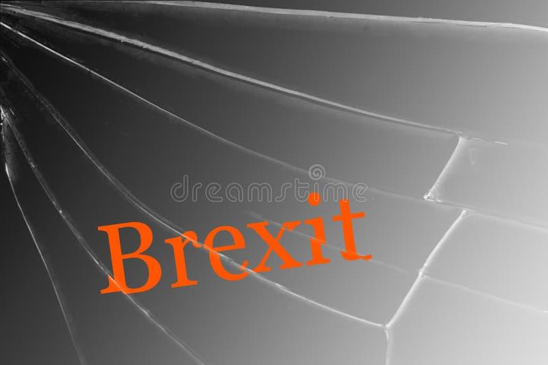 El texto Brexit sobre el vidrio quebrado El concepto de una salida BRITÁNICA de la unión europea fotos de archivo libres de regalías