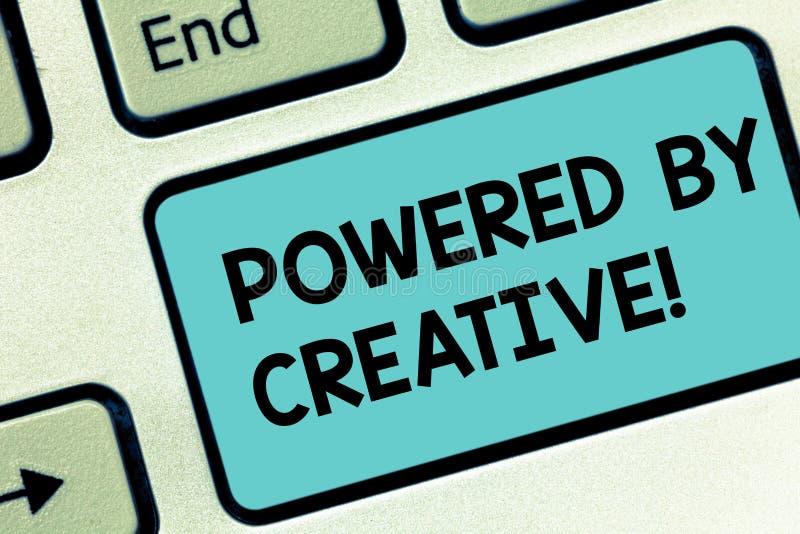 El texto de la escritura de la palabra accionó por creativo Concepto del negocio para caracterizado por la originalidad del pensa fotografía de archivo