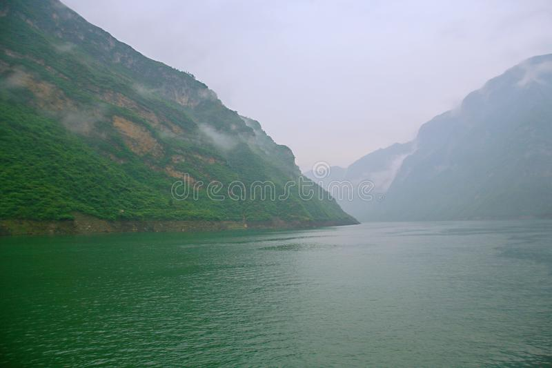 El Three Gorges del río Yangzi imagenes de archivo