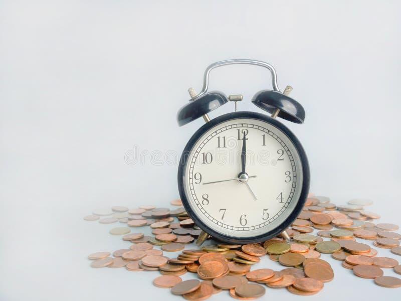 El tiempo es oro, ahorre el dinero de la reserva del tiempo foto de archivo libre de regalías