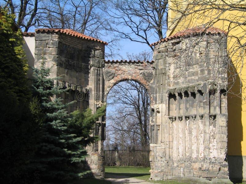El torso antiguo del monasterio en Panensky Tynec, República Checa fotos de archivo