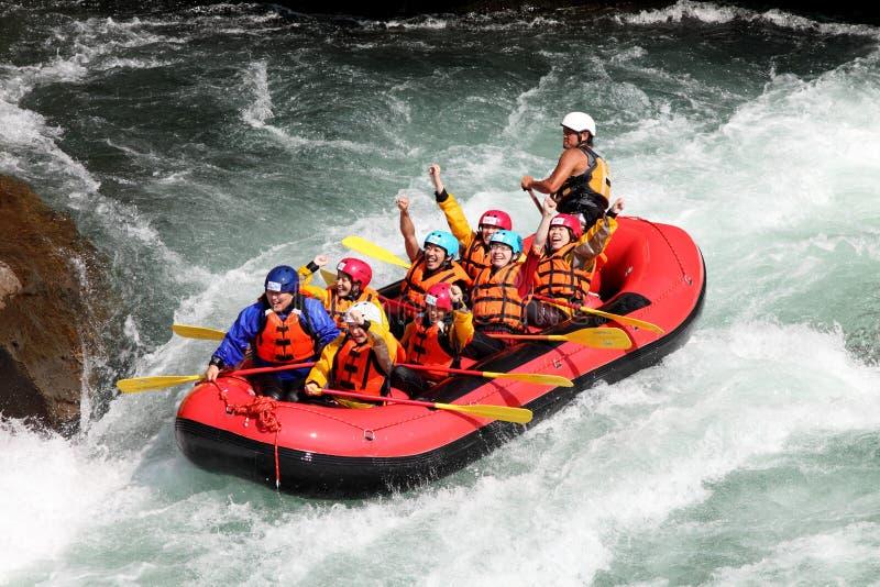 El transportar en balsa de río fotos de archivo