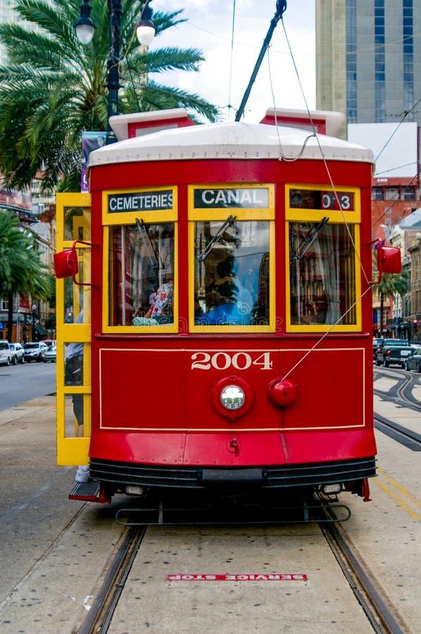 El tranvía del Canal Street hace una parada imagenes de archivo