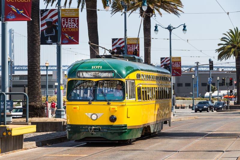 El tranvía 1071, San Francisco foto de archivo