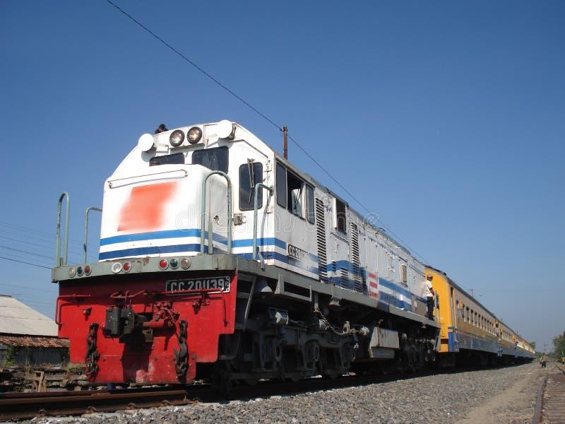 El tren de Blora Jaya Ekspres fotografía de archivo