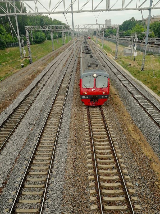 El tren viaja en tren, Moscú foto de archivo libre de regalías