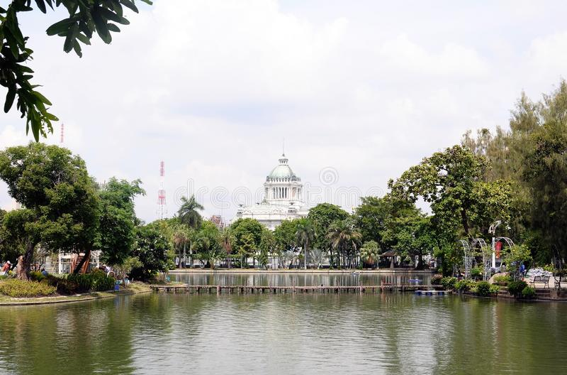 El trono Pasillo de Ananta Samakom imagen de archivo