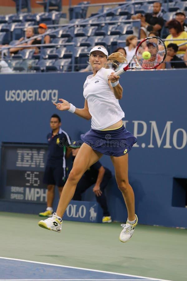 El US Open 2014 dobles de las mujeres defiende a Ekaterina Makarova durante partido final en Billie Jean King National Tennis Cen fotografía de archivo