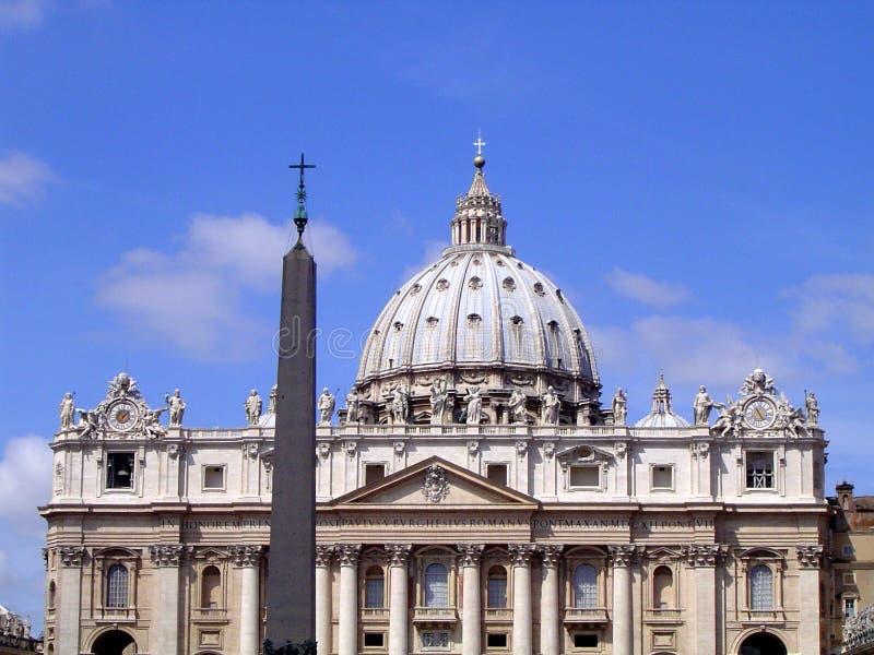 El Vatican - la Roma (basílica de San Pedro) foto de archivo